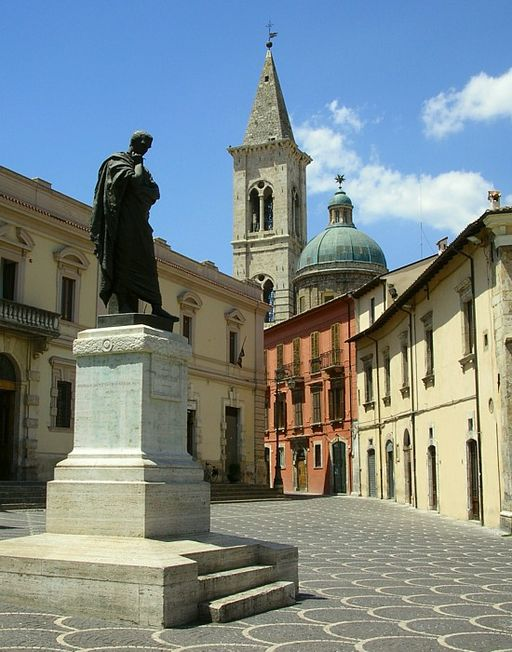 Statue of Ovid in Sulmona, Italy, his birthplace. Image from Wikimedia Commons.
