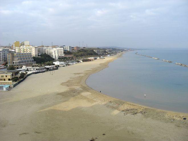 1024px-Termoli_Spiaggia_di_Sant'Antonio