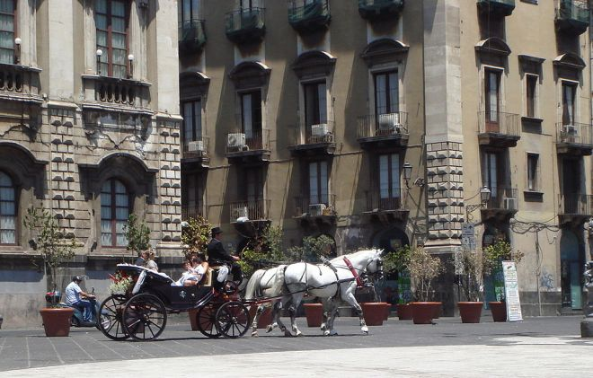 "Wedding in Catania, ""Carrozza in Piazza Duomo"" by Giovanni dall'Orto (photo from Wikimedia Commons)"
