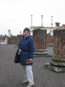 Sandy in Pompeii 2004