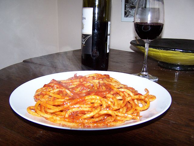 Bucatini_amatriciana